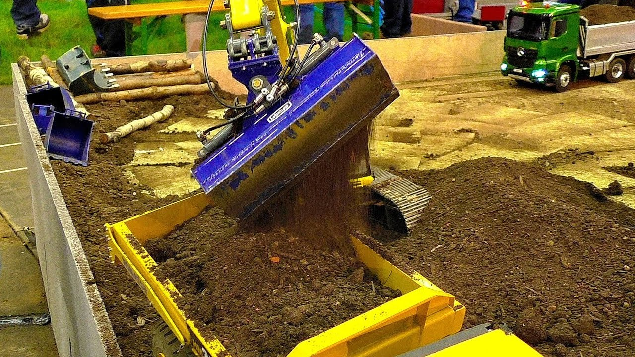 RC EARTHWORK ON THE RC CONSTRUCTION SITE WITH AMAZING MODEL MACHINES IN MOTION