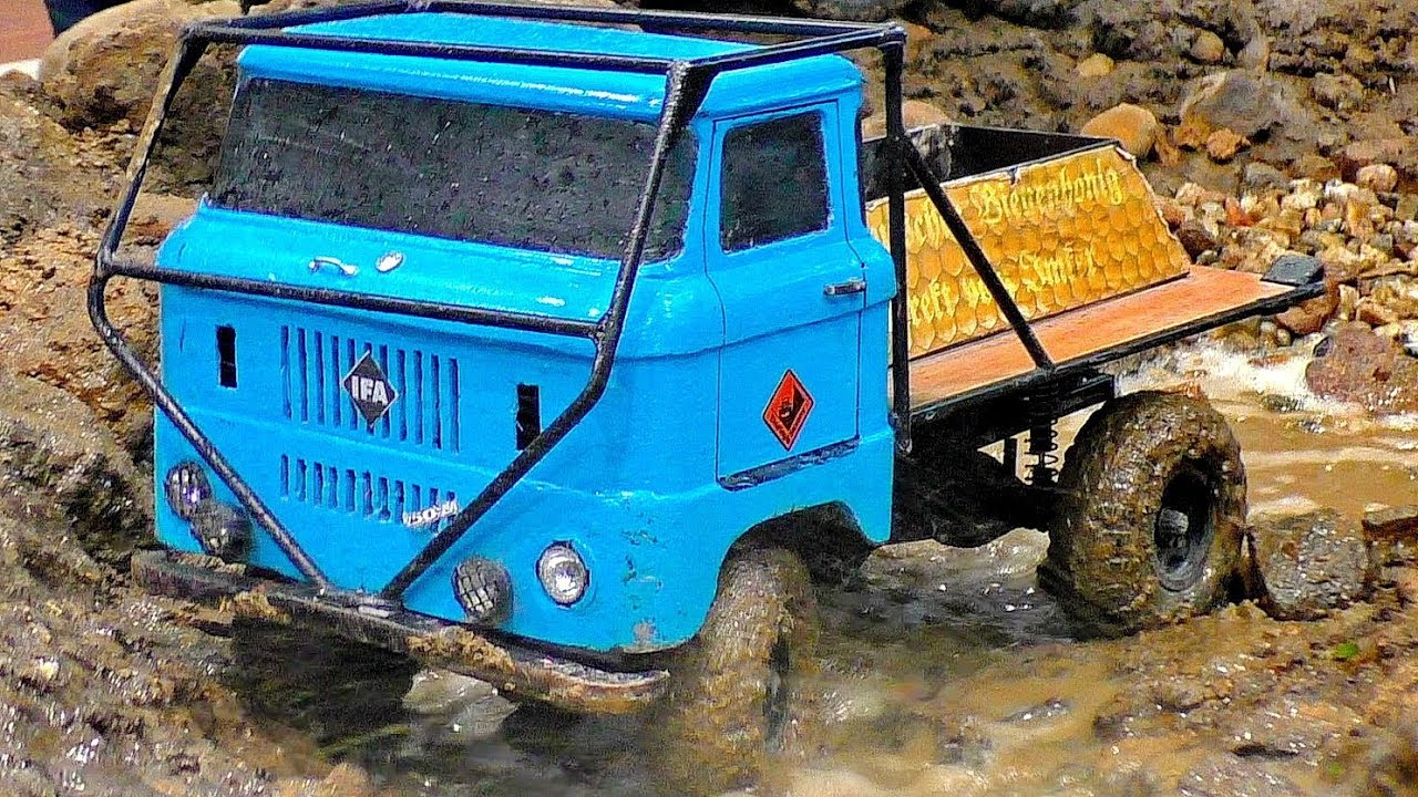 AMAZING RC OFF-ROAD TRUCK 4X4 4WD IN THE MUD IFA-W50 NICE OLD TRUCK AT HARD WORK AND IN MOTION