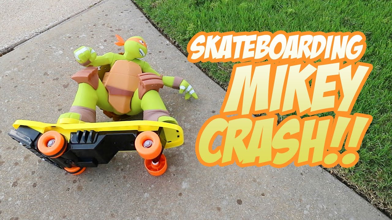 SkateBoarding Mikey CRASH – Fun with RC Car & TMNT Ninja Turtles Toys Unboxing by KidCity