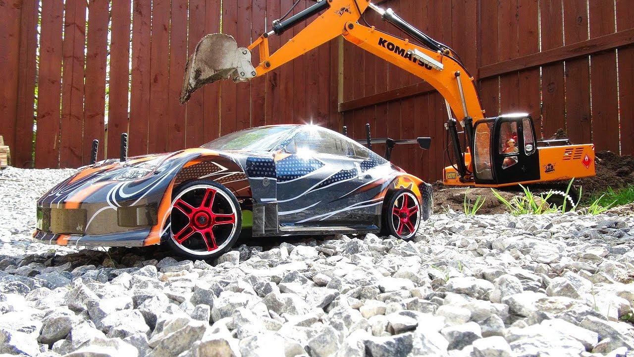 AVENTURAS RC – How to bury a Drift Car with a 4200XL Excavator