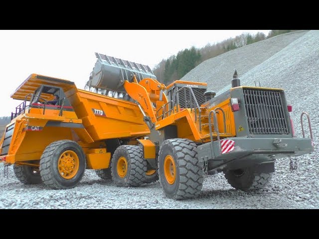 HEAVY CATERPILLAR 777D RC! STRONG KOMATSU LIFT A 50KG STONE BLOCK! COOL RC TOYS!