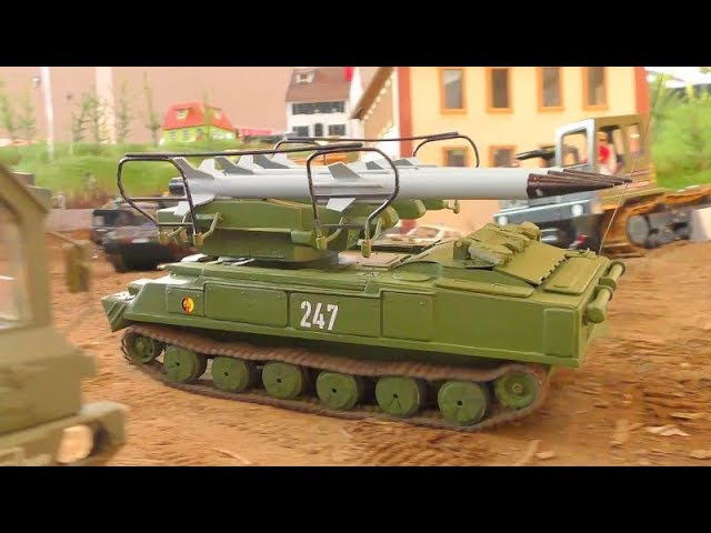 AWESOME RC TANKS AND VEHICLES ! HEAVY TRUCKS AND US MACHINES!