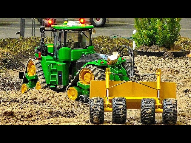 STUNNING MONSTER TRACTOR POWERFUL RC MACHINE AT HARD WORK ON THE FIELD