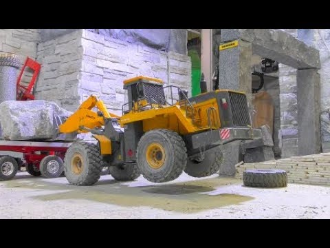 HEAVY RC TRANSPORT! KOMATSU WA 600-6 LIFT A 55t STONE BLOCK! COOL RC ACTION WITH HEAVY MACHINES