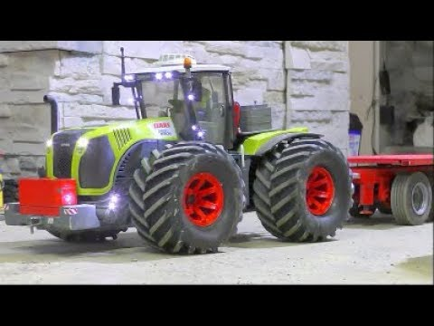 STRONG RC MACHINES IN ACTION! COOL RC CLAAS XEREON 5000 HEAVY TRANSPORTATION! BIG 10KG STONE BLOCK