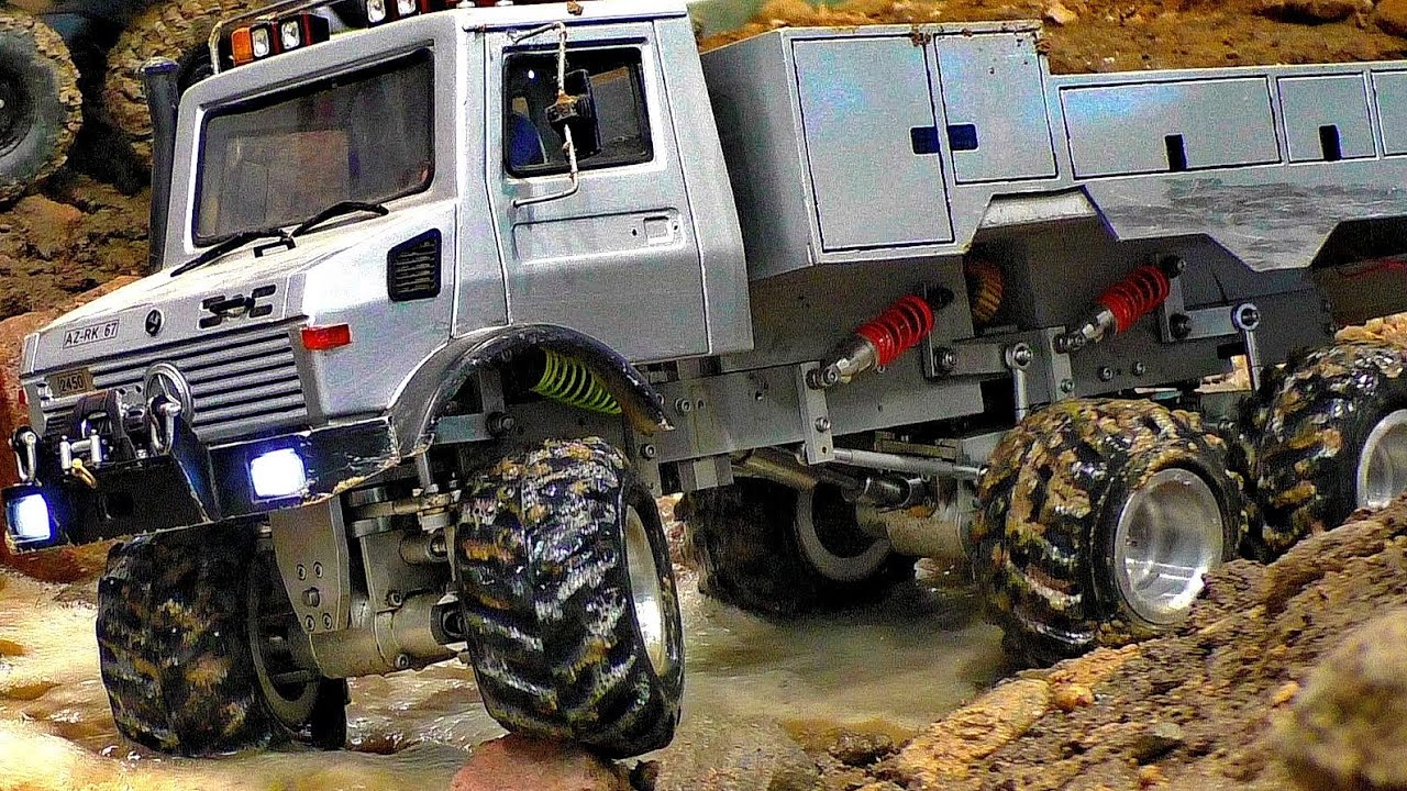 AMAZING GREAT RC OFF-ROAD TRUCK 6X6 6WD IN THE MUD MODEL TRUCK AT HARD WORK AND IN MOTION