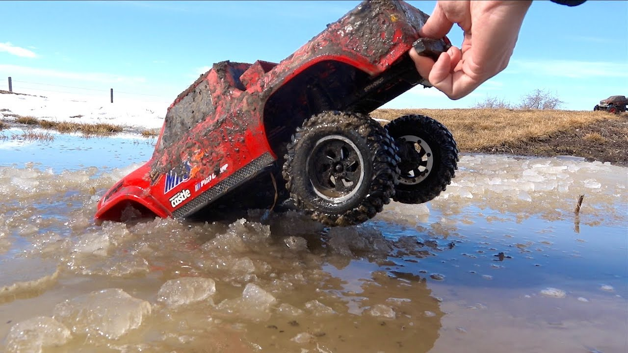 Son Maurice Goes ROOF DEEP! Moe & Dad Gone Muddin'! Traxxas TRX4  Axial SMT10 | AVENTURAS RC