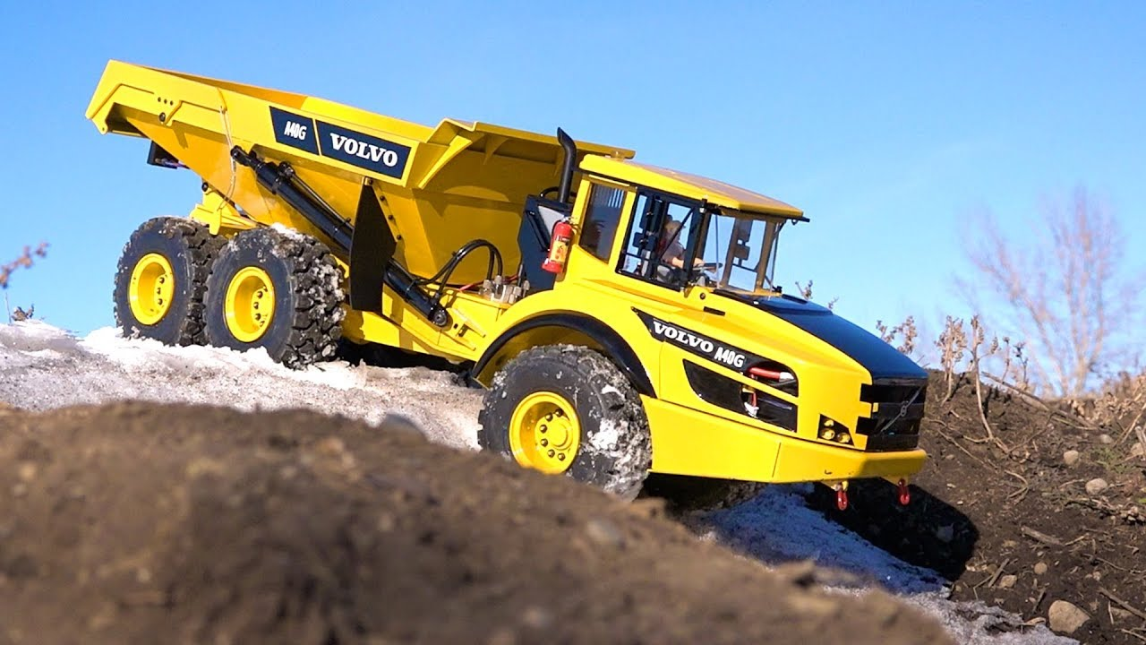 Taking the New Volvo for a TEST DRIVE: A40G Rock Truck Winter 2019 -15C  1/14 Escala | AVENTURAS RC
