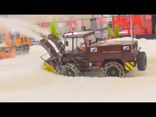 SNOW BLOWER –  RC SNOW BLOWER – AWESOME RC MACHINES !