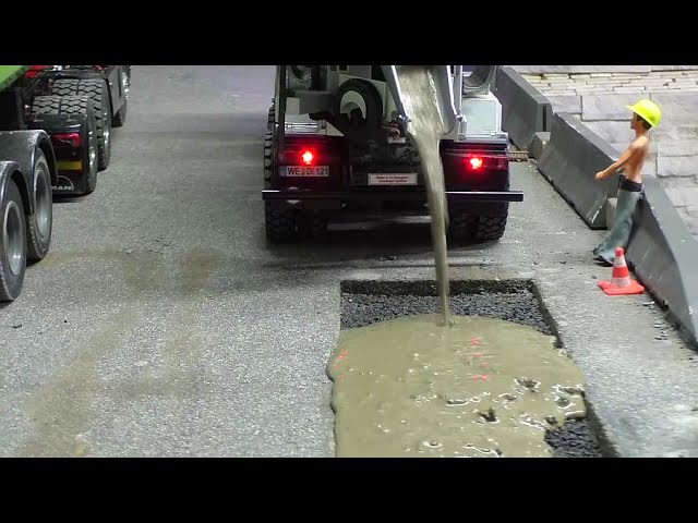 RC BETONMISCHER 8×4 – RC CONCRETE MIXER REPAIR THE STREET !RC LIVE ACTION FOR KIDS!