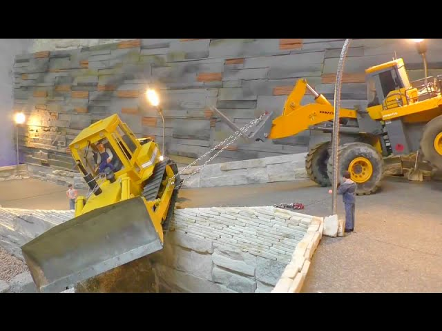 ACCIDENT –  RC BULDOZER ACCIDEDNT – awesome RC komatsu!