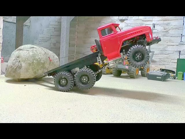 HEAVY RC TRANSPORT l STRONG AND AWESOME MACHINES LOAD A 60t STONE! TOYS FOR KIDS!