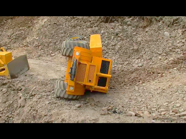 HEAVY RC  EQUIPMENT! EQUIPMENT FAIL! HEAVY CRAHS ON THE CONSTRUCTION SITE!  Action for kids!