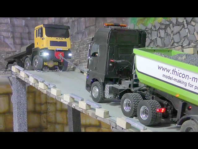 RC TRUCK ACTION! MAN TRUCK SAVED THE MERCEDES TRUCK WITH 30T GRAVEL! RC LIVE DZIAŁANIA! FOR KIDS