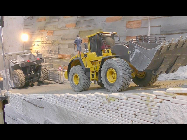 RC EQUIPMENT FAIL! HEAVY RC RESCUE ACTION!!! KOMATSU HD 465 RESCUE! RC LIVE ACTION FOR KIDS