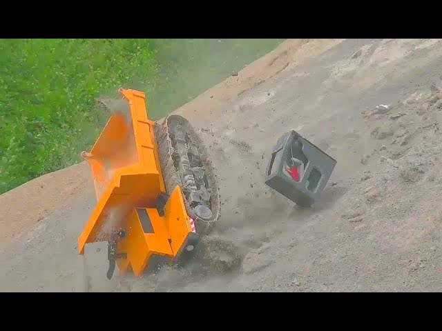 GIGANTIC RC CRASH! HUGE RC ACCIDENT ON THE CONSTRUCTION SITE! EQUIPMENT FILE! SPECIAL LIVE ACTION