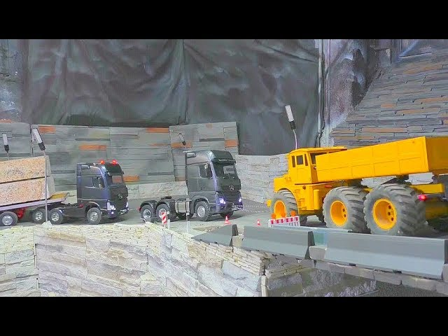 RC Heavy Transportation! RC Live Action Wite the strong Machines!