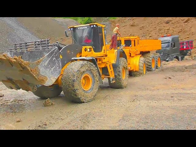 RC TRUCK RESCUE! RC TRUCK STUCK IN THE MUD! AMAZING TRUCK RESCUE