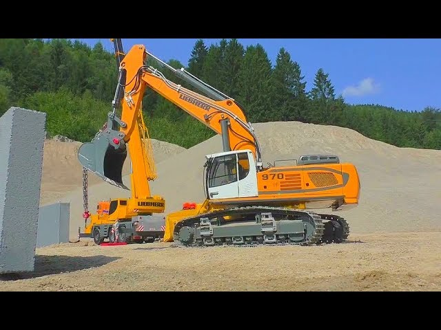 RC LIEBHERR 970 AND THE LTM1055 CRANE TRUCK WORK SO HARD! HEAVY RC MACHINES AND BIG RC LIVE ACTION!