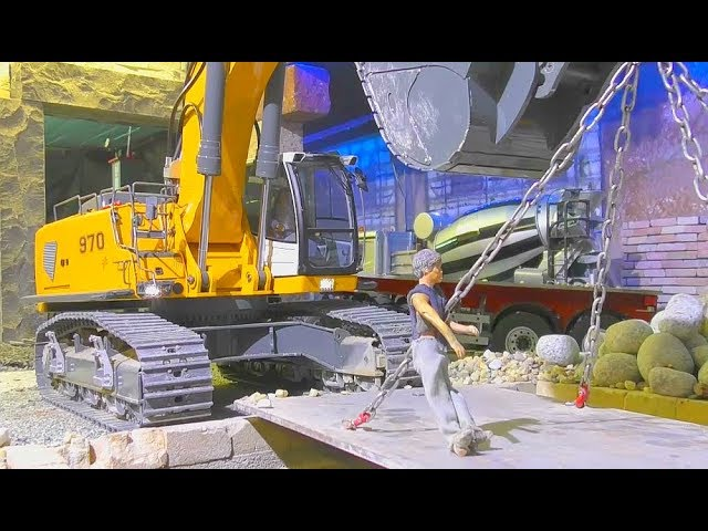 RC CONSTRUCTION ZONE! HEAVY WORK WITH LIEBHERR EQUIPMENT FOR BOYS! NICE RC LIVE ACTION FOR KIDS!