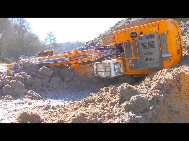 HEAVY RC EXCAVATOR ACCIDENT, BIG RESCUE ACTION AT THE CONSTRUCTION SITE, Parte 1
