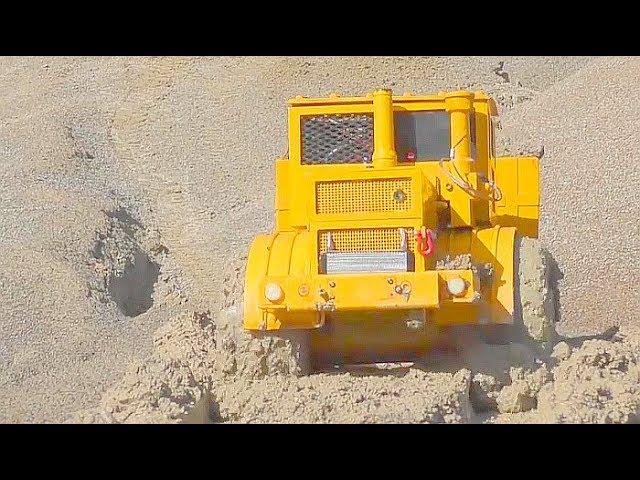 RC BEST OF IN THE MUD! HEAVY RC MACHINES IN THE MUD, SLUSH AND WATER! FANTASTIC RC VEHICLES
