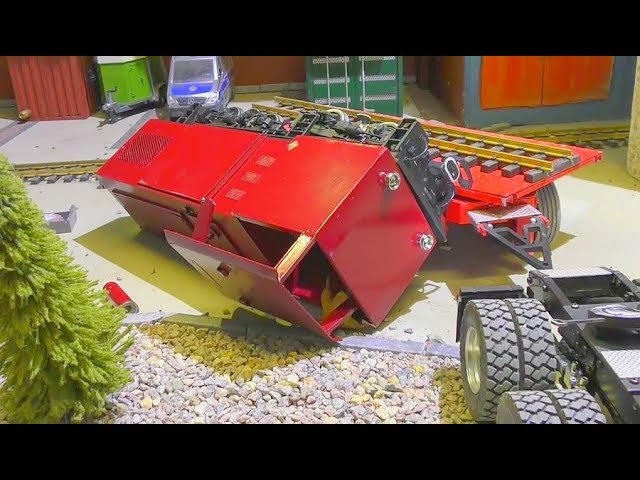 RC TRAIN CRASH! THE NEW REPAIRT TRAIN CRASHED BEFORE THE FIRST RIDE! HEAVY TRAIN CRACH! RC ACTION