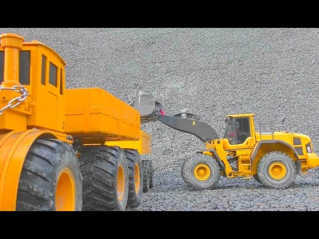 RC CONSTRUCTION MACHINES! RC CONSTRUCTION EQUIPMENT AT WORK! FANTASTIC RC MACHINES IN THE MUD!