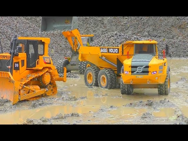 BEST RC CONSTRUCTION MACHINERY 2017! HEAVY RC MACHINES WORK IN THE RAIN! RC WORKING IN THE MUD!