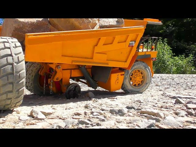 RC Truck Accident! Caterpillar 777D accident at the Mine! Cool RC LKW Video!