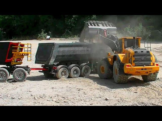 RC Gold Diggers at Work! Strong RC Globe Liner! Rc Construction Site!