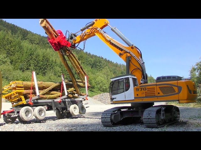 RC Liebherr 970 With Tree Saw! Unique RC equipment for the 970 Digger!