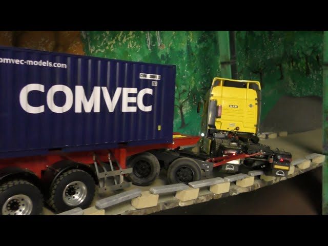 RC CONSTRUCTION SITE! RC CONTAINER TRAILER CRASH! HEAVY RC ACCIDENT