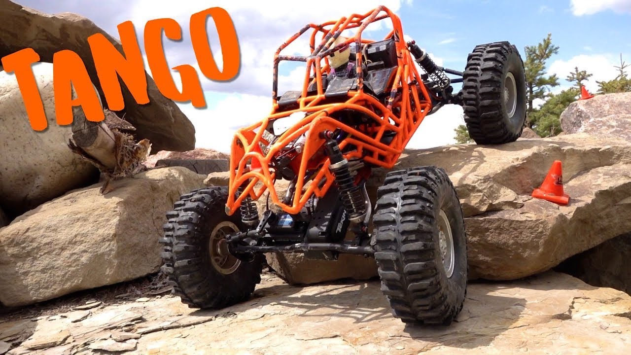 "AMAZING REAR-Steer ""TANGO""'s Spider-Like movement across the Backyard Pile 