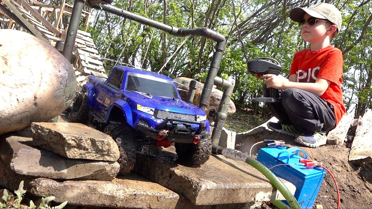 WE INVENTED a TRUCK-WASH on the Muddy Backyard Trail 4X4  Course! | RC ADVENTURES
