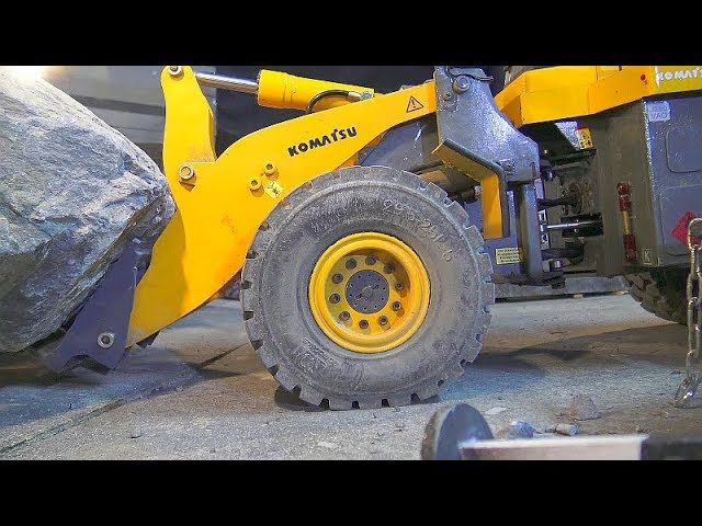 RC STONE MINE! RC VEHICLES FROM KOMATSU! RC VOLVO LOADER! AROCS 6 X 6! COOL TRUCKS AT WORK