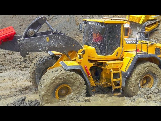 RC CONSTRUCTION SITE EXTREME! HEAVY RC VEHICLES WORK AT THE BIGGEST CONSTRUCTION SITE! RC IN MUD