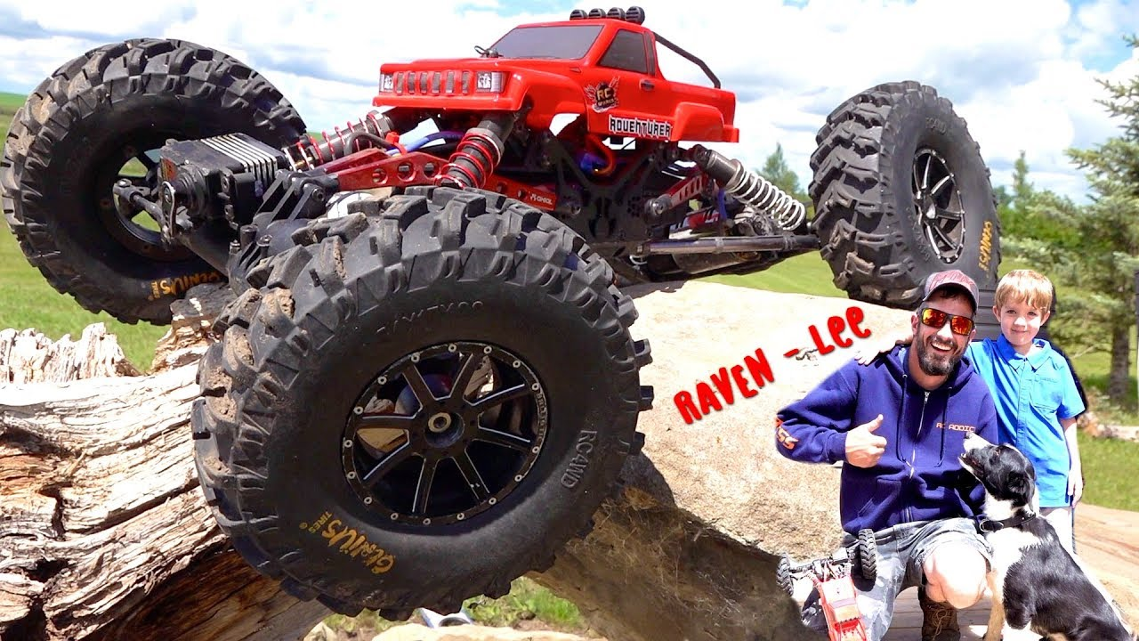 """MEET """"RAVEN-Lee"""", OUR NEW PUP! GIANT TIRES on the AXIAL MOA XR10 