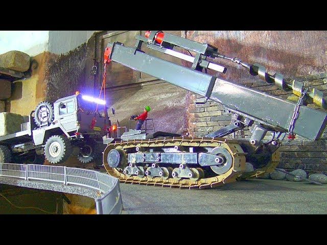 RC MAN KAT, CROSS RC MC 6 WITH HEAVY LOAD, HEVY CRANE DOZER, UNIQUE RC CRANE IN ACTION