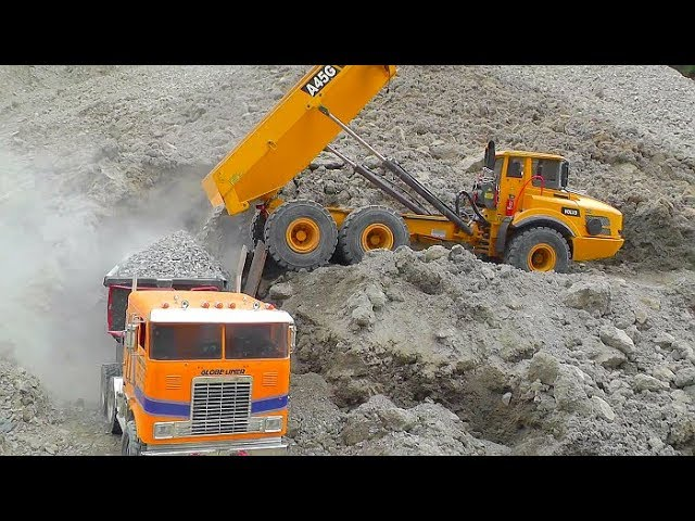 VOLVO RC DUMP TRUCK IN ACTION! LIEBHERR R970 SME WORK IN THE GAVEL MINE! COOL RC VEHICLES 2019