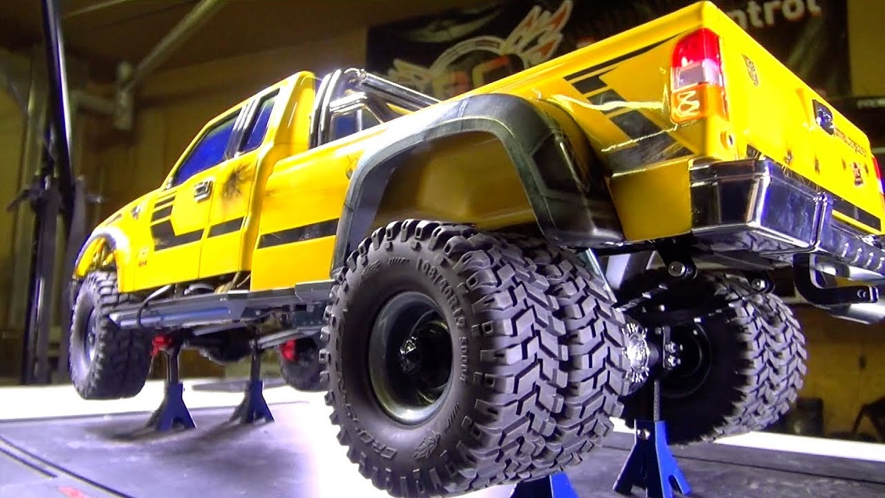 RC ADVENTURES – Intsall a DiESEL Sound Module (SK2) in Bumblebee-ST (Cross RC PG4L Build)