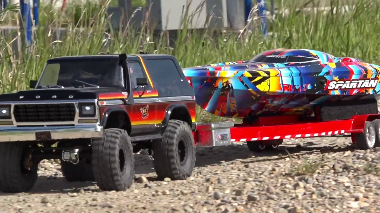"Speed Boat LAUNCH & RIP – Traxxas TRX4 & ""Rock n Roll"" Spartan 