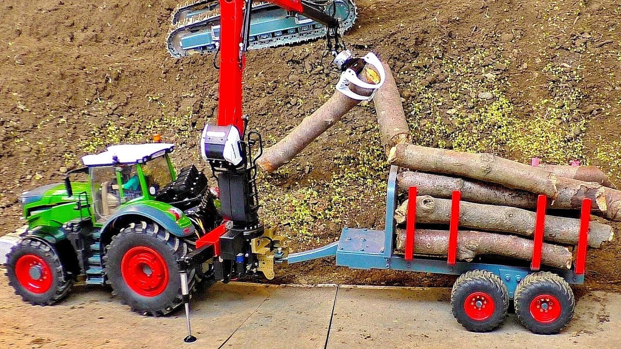 RC TRACTOR IN ACTION SCALE 1:16 MODELS WORKING HARD ON A MODEL PARCOUR