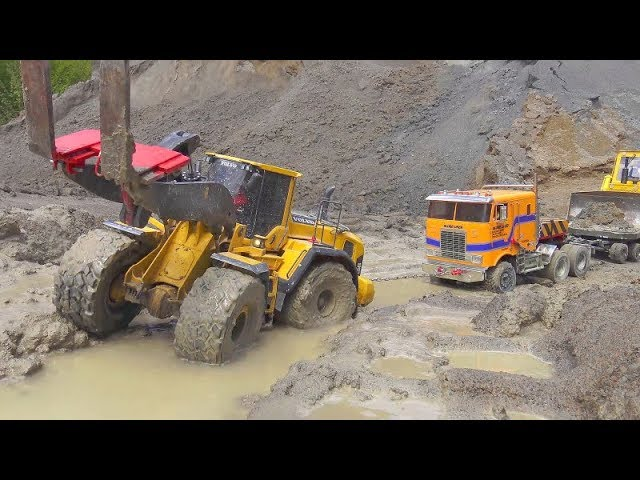 COOL RC VEHICLES AT THE REAL CONSTRUCTION SITE! AMAZING RC ACTION WITH TIPPER, LOADER, EXCAVATOR