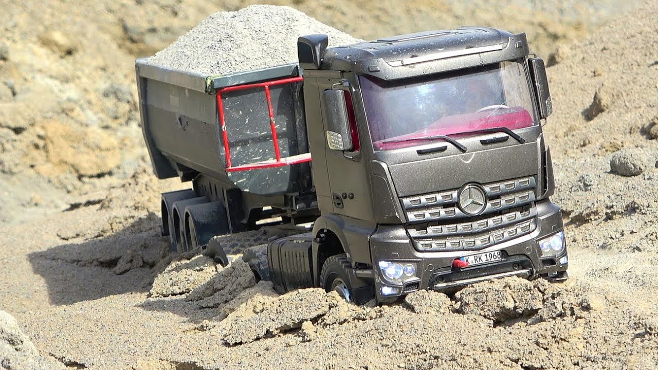 RC MODEL WORLD! RC TRUCK STUCK! OVERLOAD TIPPER ! BIGGEST RC CONSTRUCTION WORLD! CRAZY TOYS