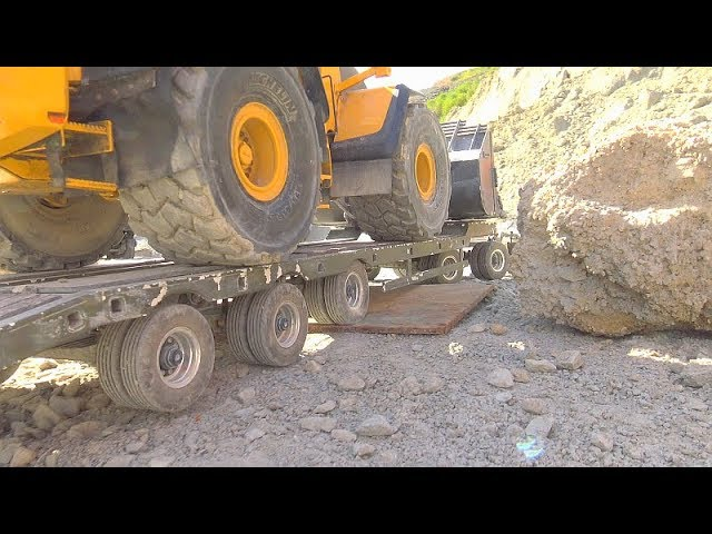 HEAVY RC VEHICLES TRANSPORTATION! BIGGEST RC CONSTRUCTION SITE! WORLD OF RC MODELS! AMAZING RC TRUCK