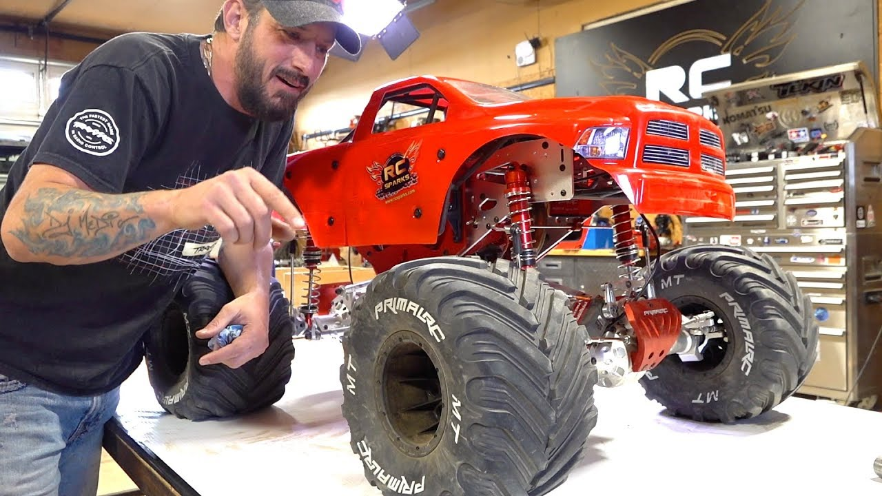 MAN speaks of his GIANT 5th scale MEGA MONSTER TRUCK – 49cc GAS POWERED RAMINATOR | AVENTURES RC