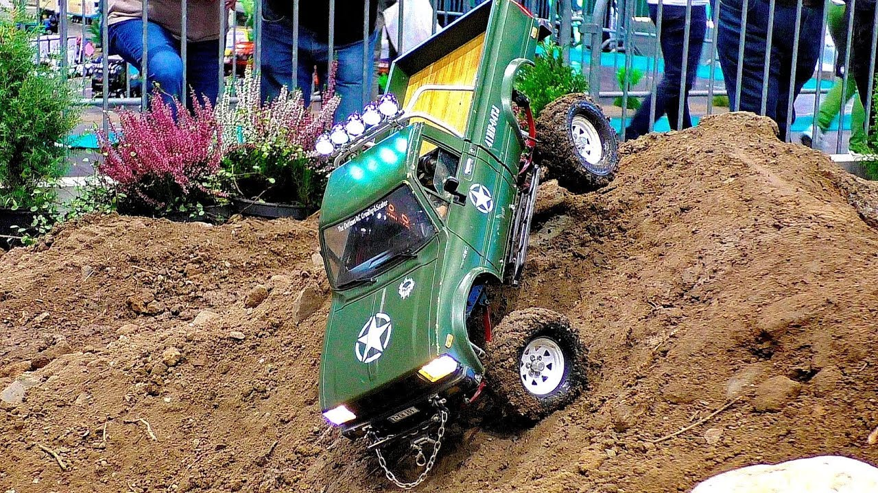 RC OFFROAD CRAWLER JEEP TRUCKS IN ACTION 4WD 6WD 8WD ON A FANTASTIC PARCOUR
