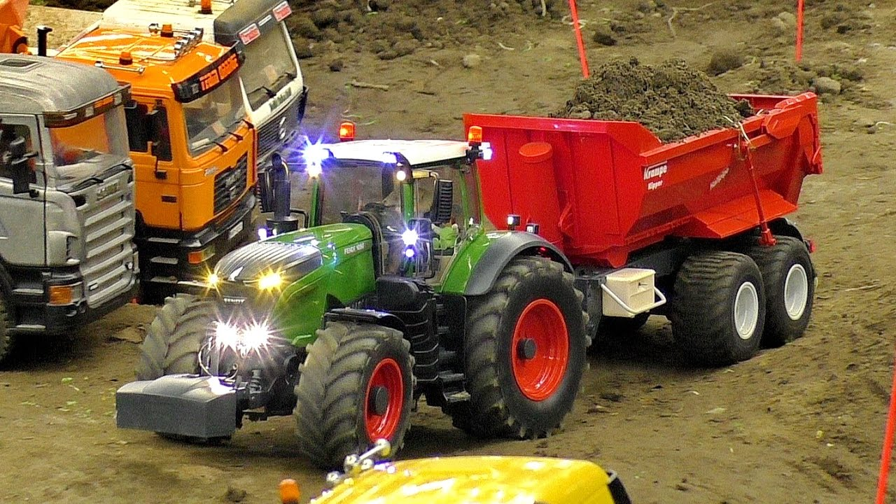 AMAZING DETAIL RC SCALE 1:16 MODEL TRACTOR FENDT 1050 AT THE HARD WORK
