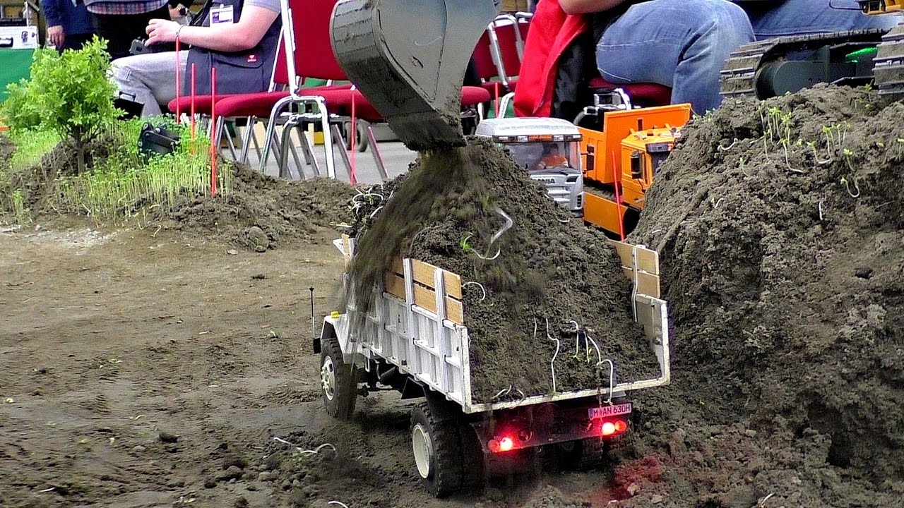 "BEAUTIFUL OLD RC ""MAN"" TRUCK AT HARD WORK WITH EXTREME CARGO"